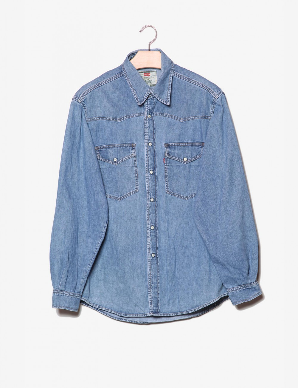 Camicia denim con bottoni in madreperla-Levi's-frontale.jpg
